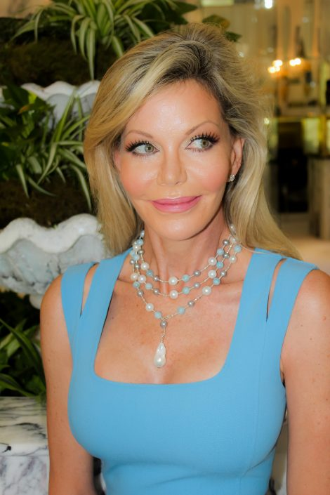 The Palm Beach Lariat necklace with aquamarine and white pearls