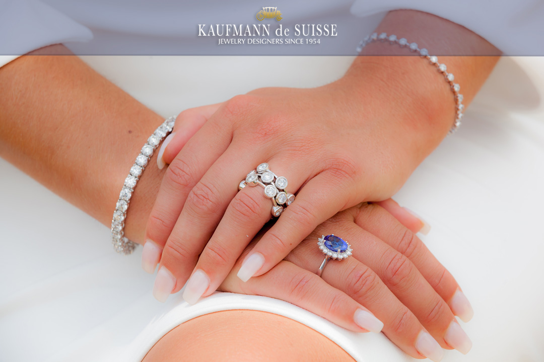 18k White Gold and Diamond Jewelry