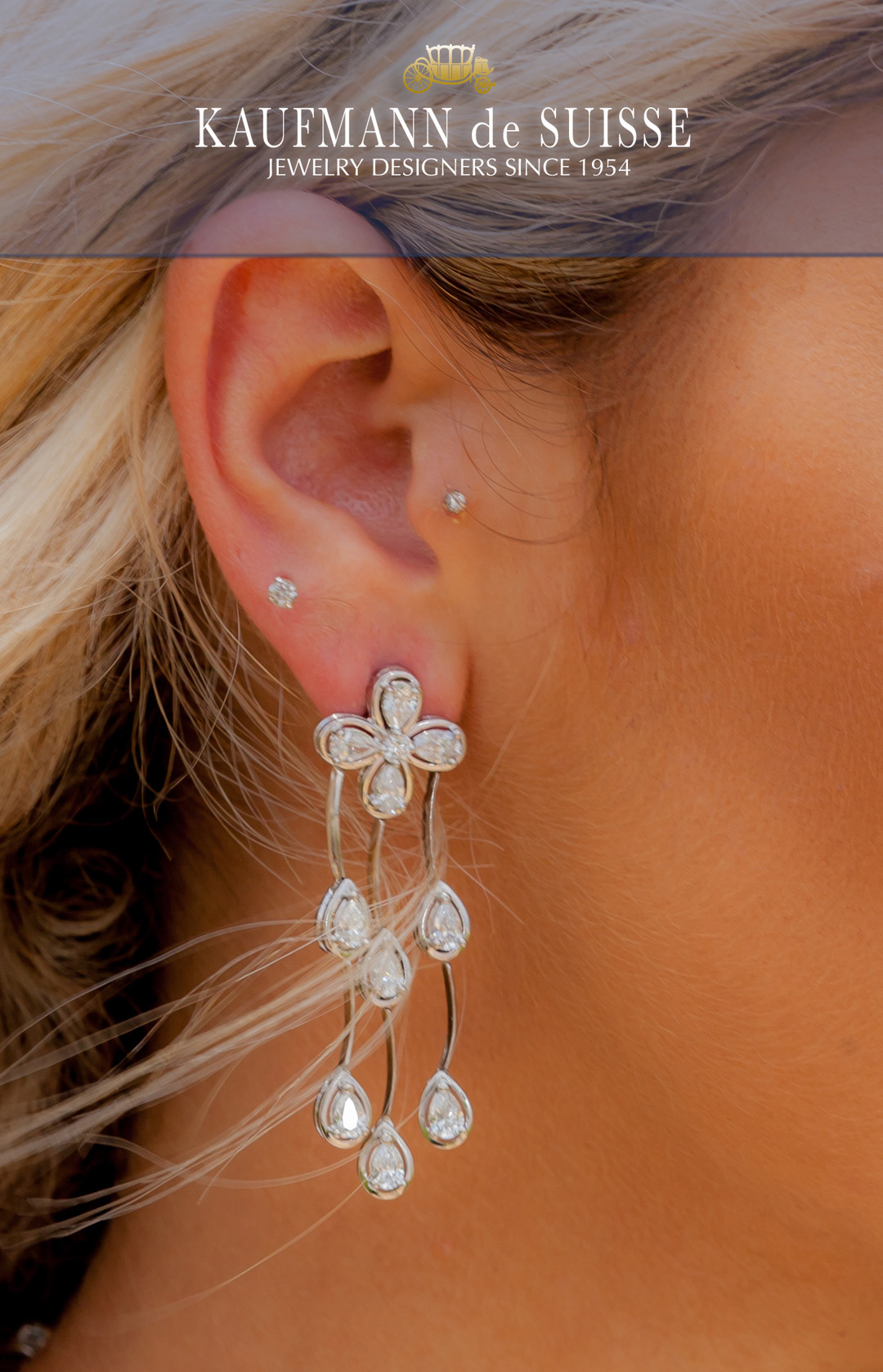 18K White Gold and Diamond Dangle Earrings