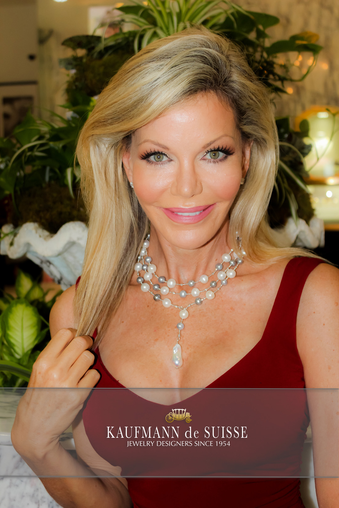 The Palm Beach Lariat Necklace in Grey and White Pearls