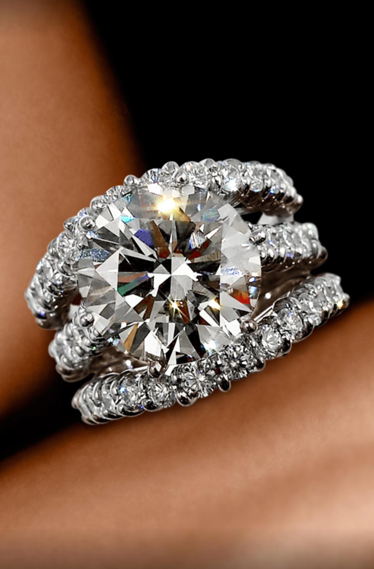 Super Nova Wedding Ring