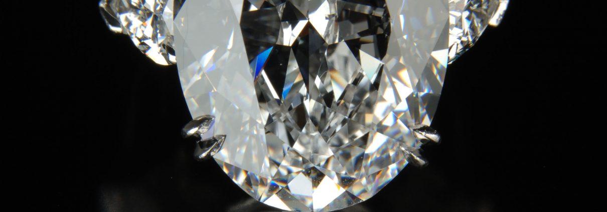 Gorgeous Diamond Oval Ring